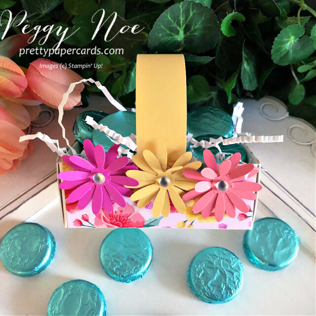 Handmade Paper Daisy Spring Basket using Stampin' Up! products created by Peggy Noe of prettypapercards.com #easterbasket #easter #basket #paperbasket #daisies #daisypunch