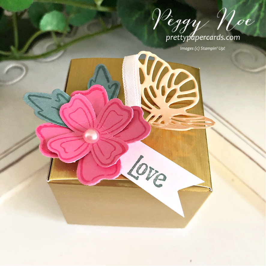 Tiny Gold & Scalloped Treat Boxes ~ Too Cute!