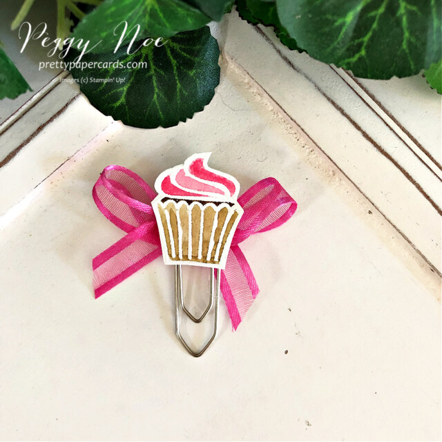Handmade paperclip/bookmark made with the Sweets & Treats Stamp Set from Stampin' Up! created by Peggy Noe of Pretty Paper Cards #sweets&treats #cupcakebookmard #cupcakepaperclip #cupcake