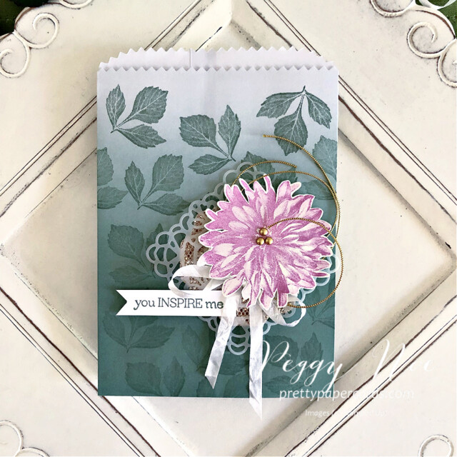 Handmade card using the Delicate Dahlias stamp set by Stampin' Up! created by Peggy Noe of Pretty Paper Cards #delicatedahlias #peggynoe #prettypapercards #stampinup #stampingup #ombregiftbags #youinspireme #softsucculent #squaredoily