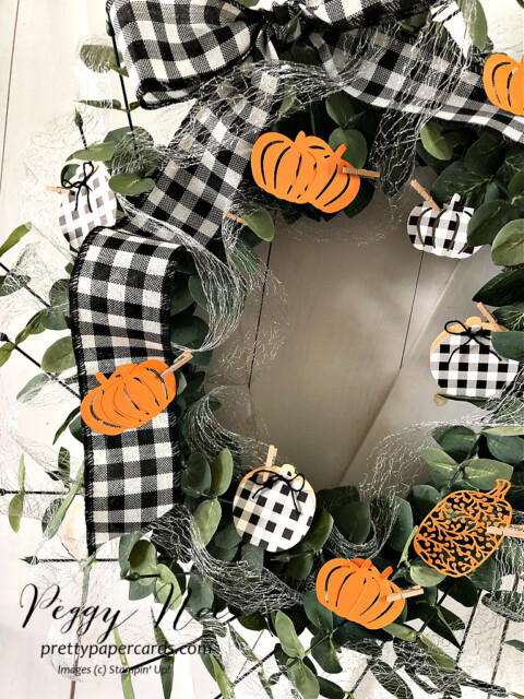 Handmade Fall Wreath made with Stampin' Up! Pretty Pumpkin Bundle designed by Peggy Noe of Pretty Paper Cards #wreath #fallwreath #prettypumpkins #peggynoe #prettypapercards #pumpkinwreath #detailedpumpkindies